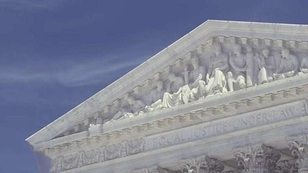 [TLMD - MIA] Corte Suprema deroga deportación de inmigrantes con delitos