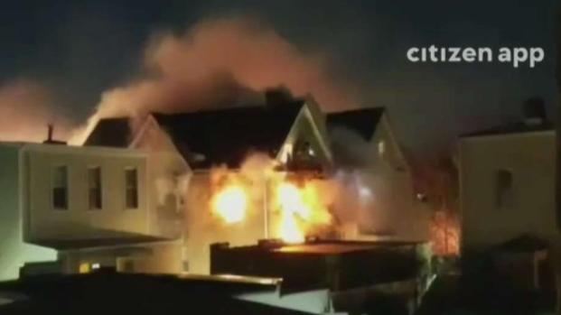 Incendio deja varias personas heridas