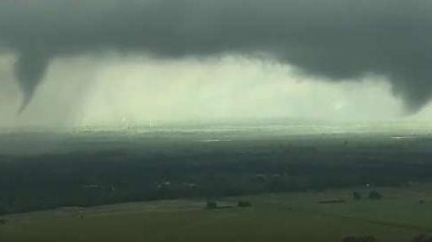 Tornados arrasan en varios estados de EEUU