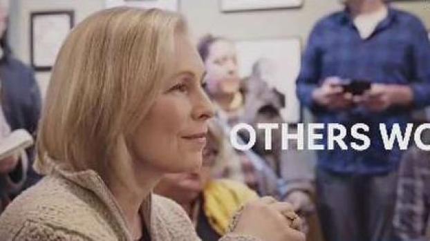 [TLMD - LV] Gillibrand oficializa su candidatura a la presidencia