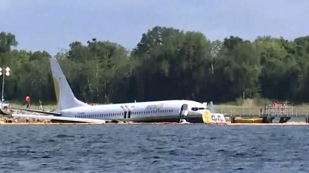 [TLMD - LV] Nuevo video del avión con pasajeros que cayó al agua en Florida