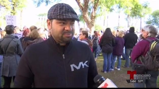 Phoenix: Cientos de miles de personas participan en la marcha de mujeres contra Trump