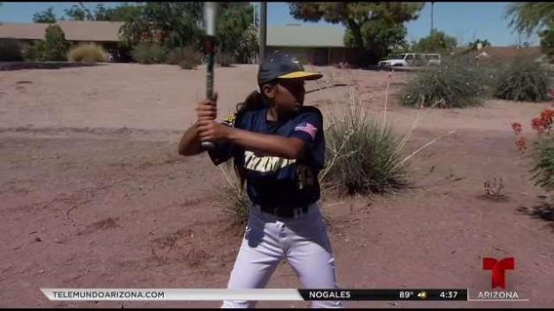 Angie Valenzuela rompe barreras en el béisbol