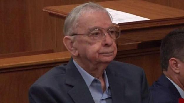 Ex sacerdote católico culpable de asesinato