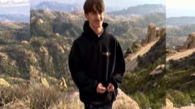 Familia busca adolescente desaparecido cerca de Tucson