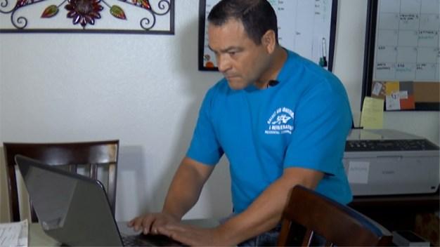 José Gálvez, residente de Mesa, recupera miles de dólares