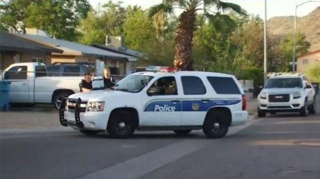 Policía investiga disparos al norte de Phoenix