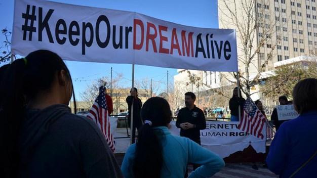 DACA: crece expectativa por inminente fallo judicial