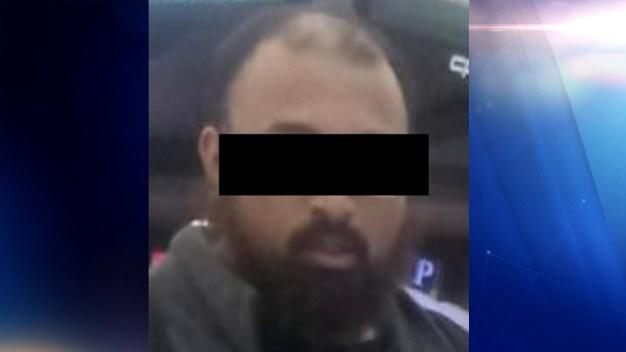 Detienen en sede migratoria a presunto yihadista de EEUU