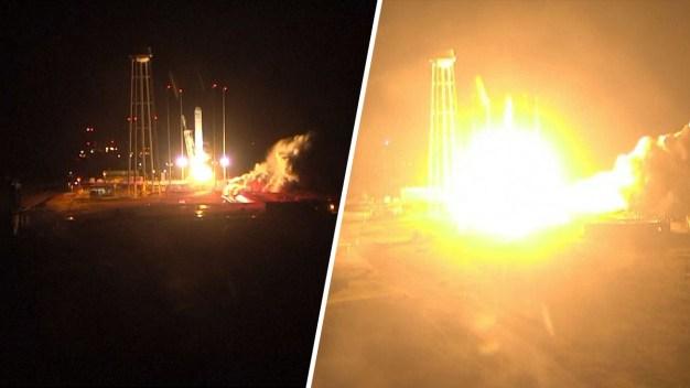 Video: lanzan cohete con suministros vitales y ¿helado?  }