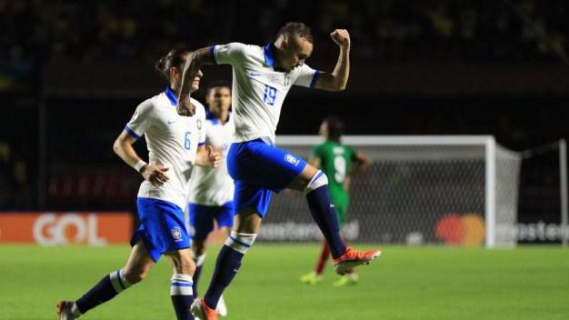 Remate perfecto de Everton concluye la victoria de Brasil