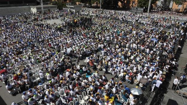 """Guaidó: haré """"lo necesario"""" para que entre la ayuda"""
