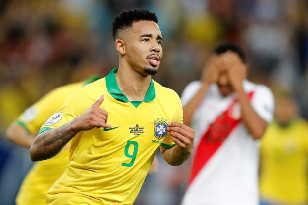 Brasil se pone 2-1 con golazo de Gabriel Jesus
