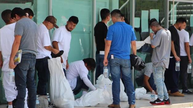 Reportan inusual cifra de deportaciones previo a redadas