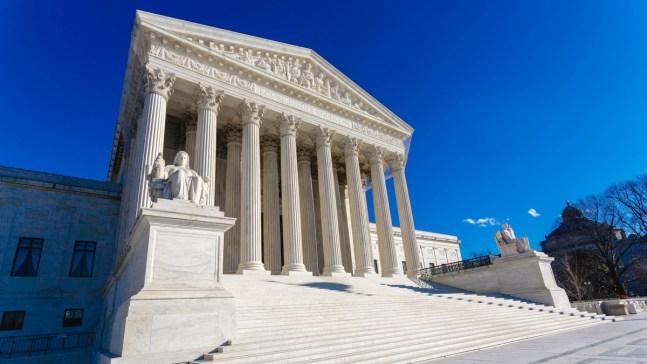 Corte Suprema falla contra inmigrantes con antecedentes