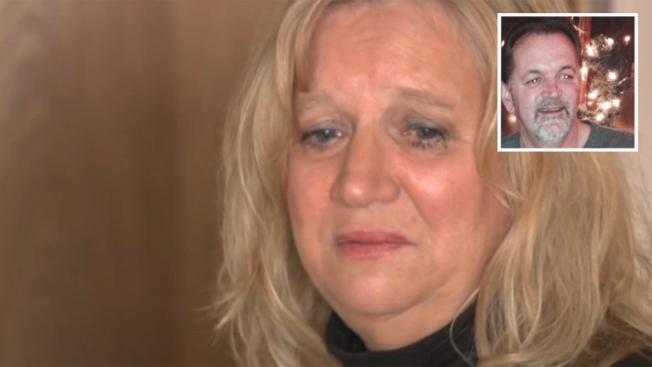 Aerolínea no permite llamada a marido suicida