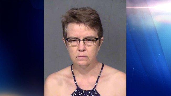 Detienen a madre tras secuestrar a hija en 1990