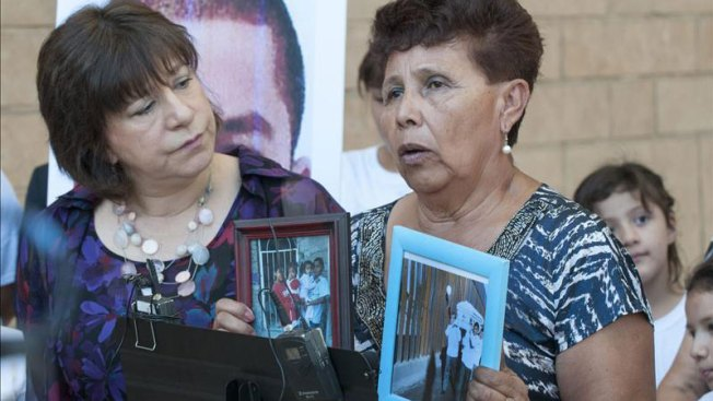 Familia de mexicano asesinado celebra decisión de juez