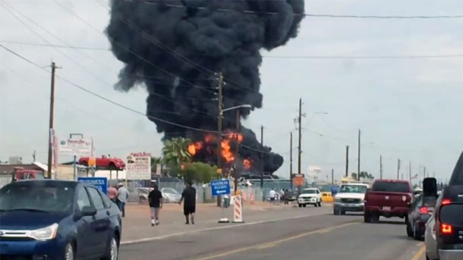 Phoenix: Explotan contenedores de aceite de motor
