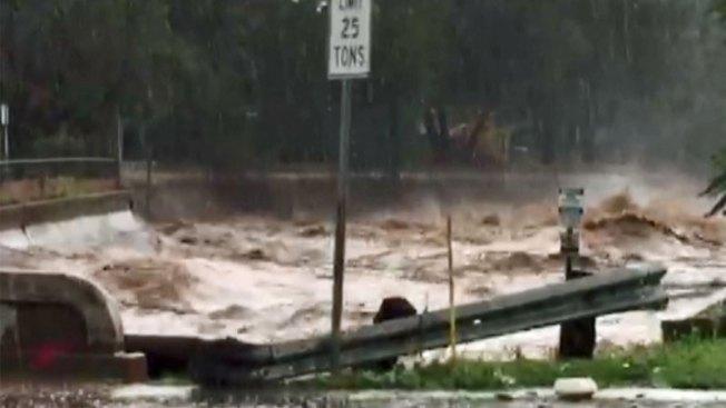 Lluvias inesperadas afectan a residentes de Nogales