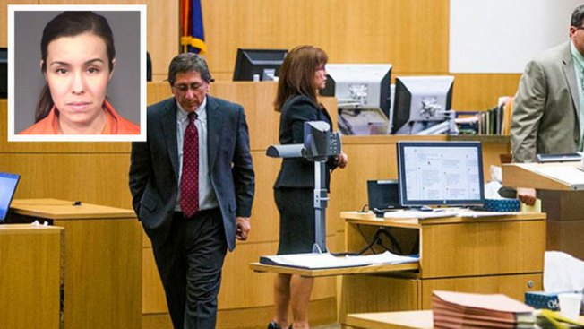 Arias regresa a corte y deberá pagar miles de dólares