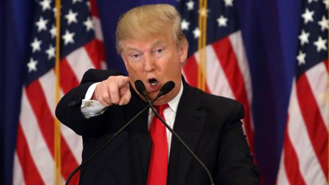 """Trump respondería con """"fuerza abrumadora"""" a ataque de Irán"""