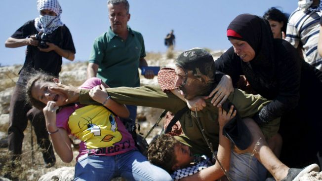 Video: tenso intento de arresto a niño palestino