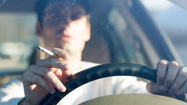 Tempe: Mano dura para conductores que fuman