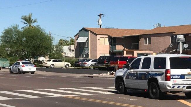 Policías de Phoenix detienen a tiros a sospechoso