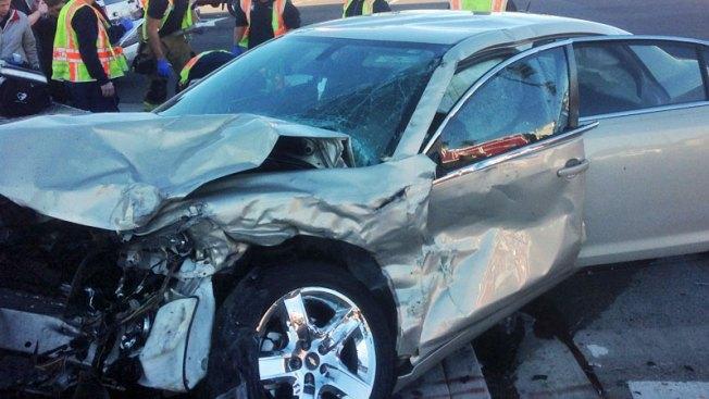 Aparatoso accidente causa cierre de autopistas