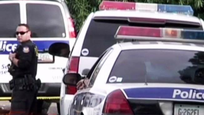 Persecución termina en accidente de policías