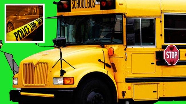 Accidente contra bus escolar deja heridos