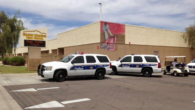 Investigan amenazas en escuela de Phoenix