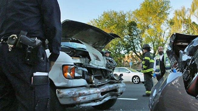 Fuerte accidente causa cierre de calles