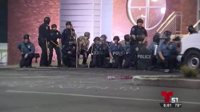 Tensión en Ferguson: dos policías baleados