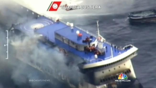 Barco con inmigrantes emite llamada de socorro