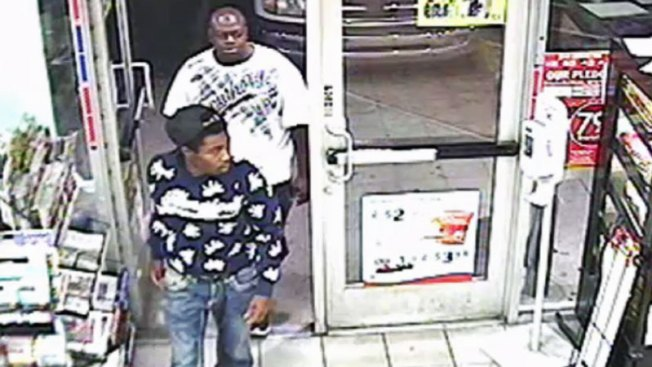 Buscados por presunto asalto y robo de identidad