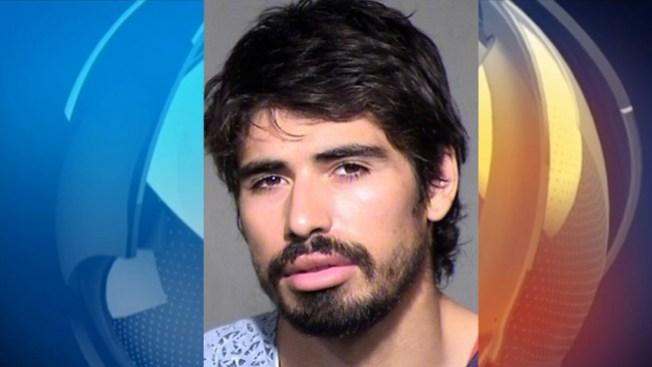 Detenido por tratar de asesinar a su madre