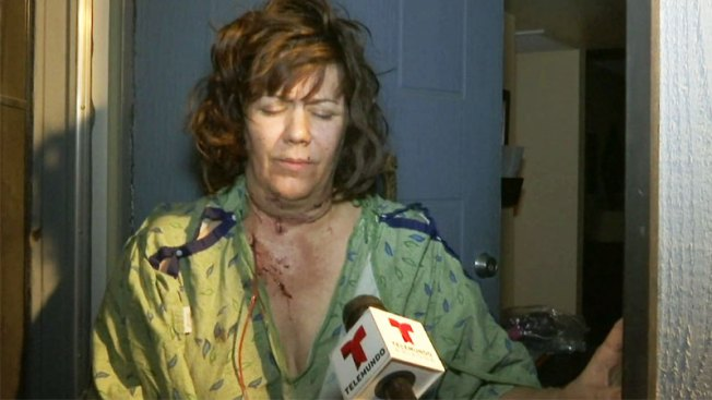 Madre llora y sufre tras ser atacada por su hijo