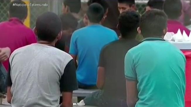 Jueza ordena liberar a madres e hijos migrantes