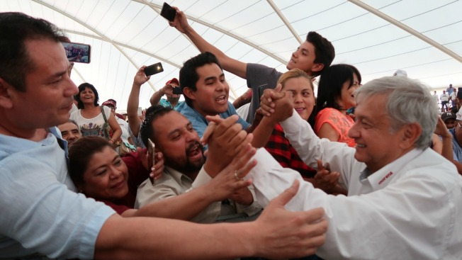 Candidato puntero avala pacto de obispo con narcos