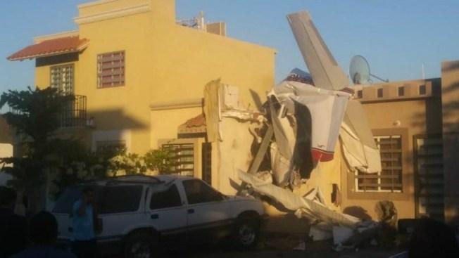 Cae avioneta sobre casa: 4 muertos y 2 heridos