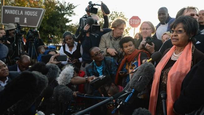 Muere Winnie Mandela, activista contra el apartheid
