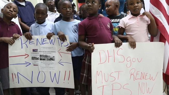 Inmigrantes demandan al gobierno por cierre del TPS