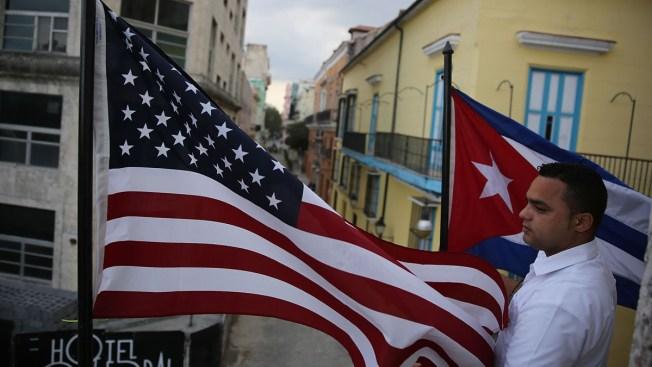 Trump anunciará una política más dura hacia Cuba, según ABC