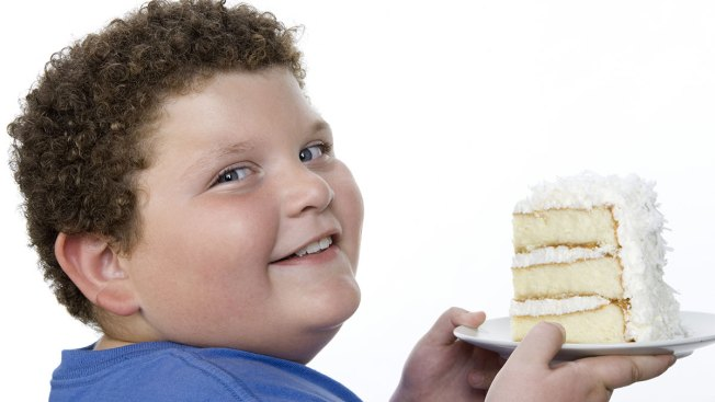 Proponen multar a padres de niños obesos