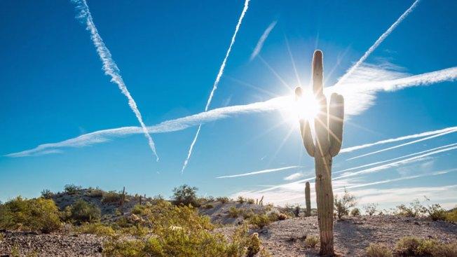 Arizonenses se ven afectados por ola de calor