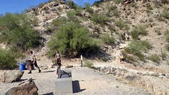 Encuentran a mujer sin vida en South Mountain