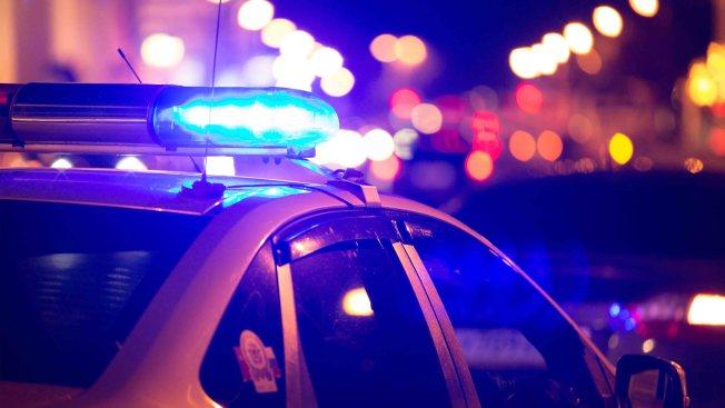 Arrestan 2 menores en Arizona por supuesta muerte a tiros de hombre en California