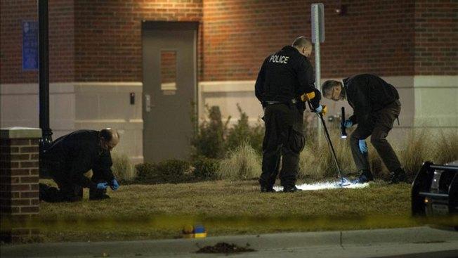 Dan de alta a policías baleados en Ferguson